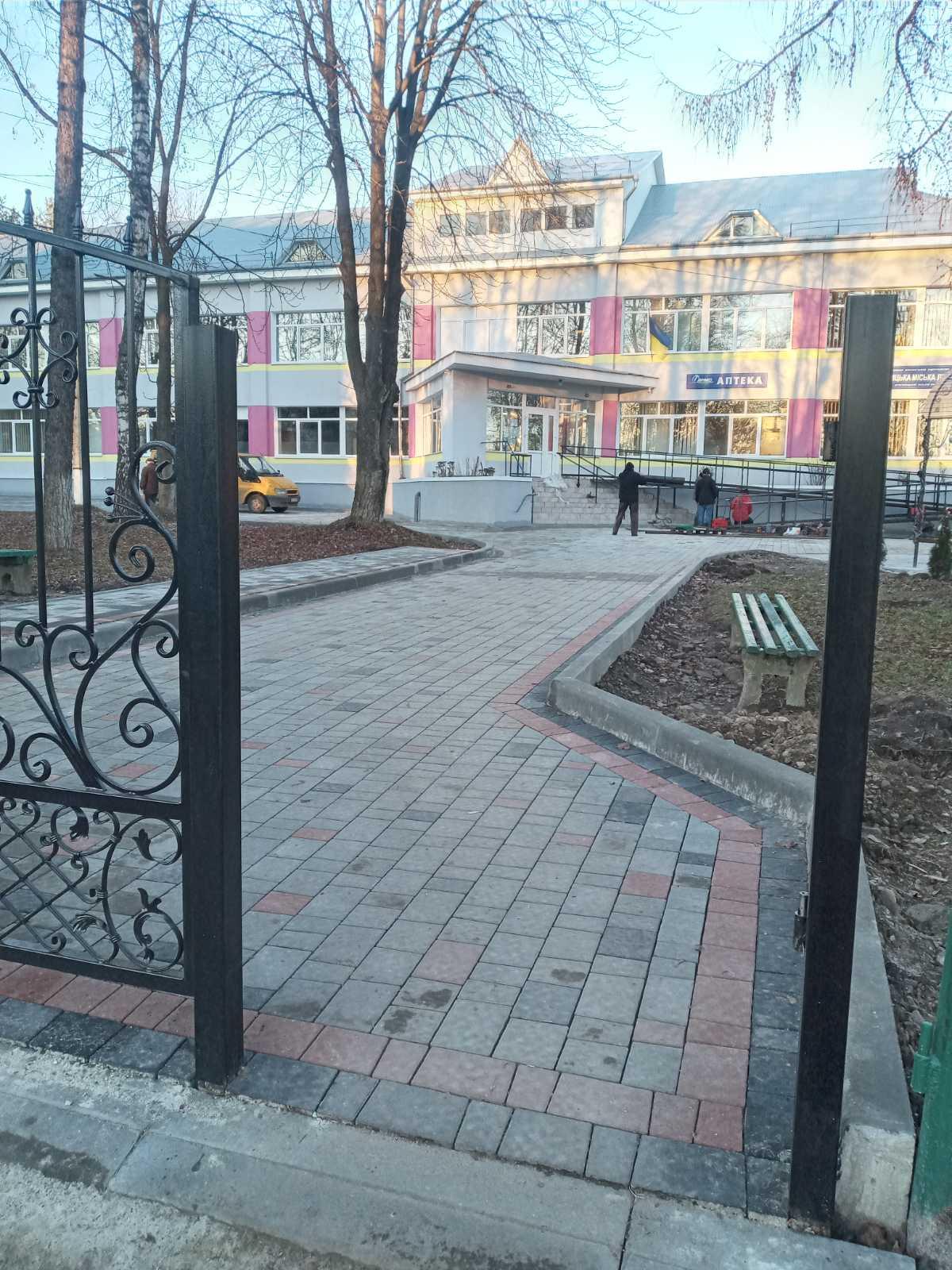 Капітальний ремонт благоустрою території  КНП «Стебницька міська лікарня» ДМР